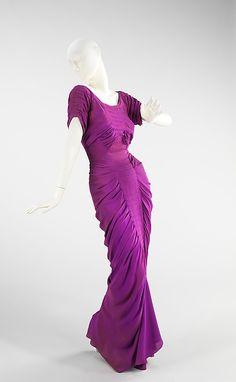 """La Sirène"" Charles James (American, born Great Britain, 1906–1978) Date: 1939 Culture: American Medium: silk Dimensions: Length at CB: 64 in. (162.6 cm) jαɢlαdy"