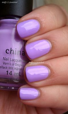 Blue is my FAVORITE color and then it's a light purple just like this!! <3<3<3<3