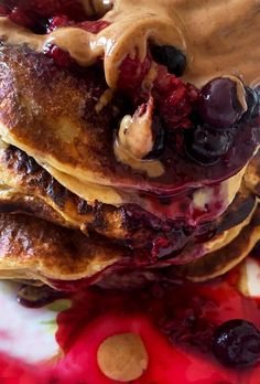 Pancakes με βρώμη και γάλα αμυγδάλου - Just life Pancakes, Breakfast, Food, Morning Coffee, Essen, Pancake, Meals, Yemek, Eten