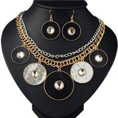 Stylish Round Pendant Jewelry Sets