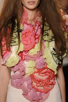 Christian Lacroix Spring 2009 Ready-to-Wear Fashion Show Details