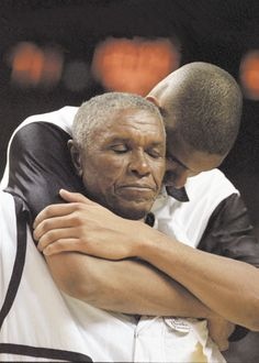 Tim Duncan of the San Antonio Spurs and his father, William Duncan.