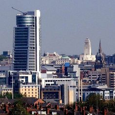 Leeds is best city in England.but you knew that already YORKSHIRE Evening Post readers have welcomed new research which placed . South Yorkshire, Yorkshire Dales, World Cities, Best Cities, Homes England, Leeds City, Visit Uk, History Of England, North York