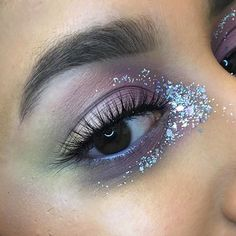 My pastel look from the other day but with glitter added ✨✨✨ Serious question: how do people wear glitter in every look?! It's so painful to remove