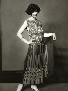 Ziegfeld Girl: Fanny Brice. Photo: Edward Steichen, for Vanity Fair (1925). Performed in the Ziegfeld Follies of 1910, 1911, 1916, 1917, 1920, 1921, 1923, 1924, 1934, and 1936. http://en.wikipedia.org/wiki/Fanny_Brice