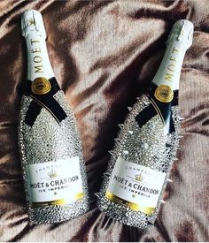 We really haven't seen Champagne as glitzy as Slay billionaire bottles, it is a must for anyone that wants to shine. Get it at slay billionaire Bedazzled Liquor Bottles, Glitter Champagne Bottles, Decorated Liquor Bottles, Bling Bottles, Alcohol Bottle Decorations, Liquor Bottle Crafts, Alcohol Bottles, Moet Chandon Ice, Don Perignon