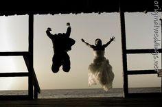 Fav. wedding pictures!:) (saw this on http://originalweddings.net )