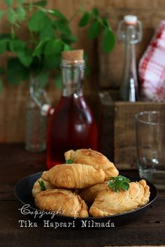 Cemplang Cemplung: Fried flaky pastries stuffed with tuna (will use chicken instead)