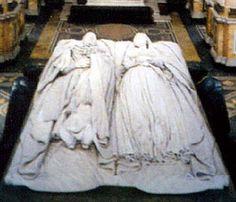 Tomb effigies of Queen Victoria and Prince Albert Queen Victoria Family, Queen Victoria Prince Albert, Victoria And Albert, Princess Victoria, Elizabeth Ii, Reine Victoria, British Royal Families, Kingdom Of Great Britain, British Monarchy