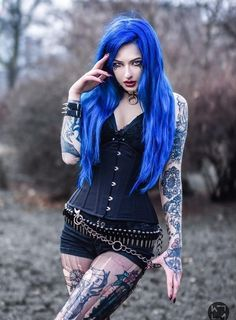 Model: BLUE ASTRID Photo: Wiktoria Mikoda Welcome to Gothic and Amazing |www.gothicandamazing.com