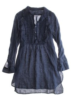 Love the style of the tunic, but could stand to have something beyond a demin color since I pretty much live in jeans.