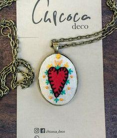 Camafeo bordado corazón, diseño exclusivo @chicoca_deco #camafeo #bordado #corazon #collar #hechoamano Arrow Necklace, Deco, Jewelry, Hand Made, Jewlery, Jewerly, Schmuck, Decor, Jewels