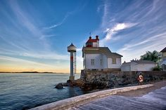 Lighthouse at Filtvet by Tore Heggelund via Flickr
