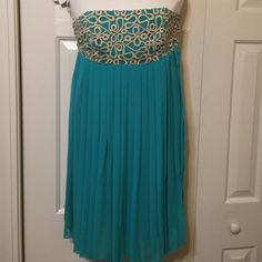 Lilly Pulitzer Jillie Dress Chiffon Lilly Pulitzer Jillie Dress Chiffon . Sea blue with beautiful gold embroidery . Lilly Pulitzer Dresses Prom