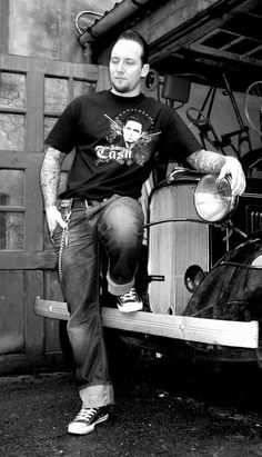 Michael Poulsen-Volbeat--Has the most sexiest voice EVER!