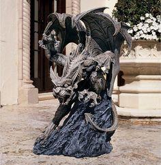 Design Toscano Scatheus Guardian of the Shadows Gargoyle Sculpture - CL4188