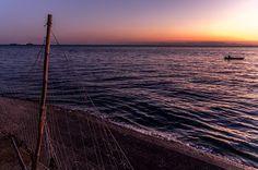 「夜明け前の撮影に知多半島へ向かった。まだ暗い中堤防に立つとオレンジに染まる水平線が飛び込んできた。この瞬間の感動がたまらない。一日で一番美しい時間」(201...|ハンドメイド、手作り、手仕事品の通販・販売・購入ならCreema。