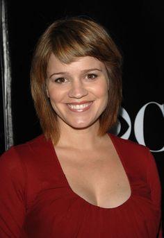 ANNA BELKNAP est une actrice américaine de télévision née le 22 mai 1972 à Damariscotta, Maine. Voir Wikipedia.