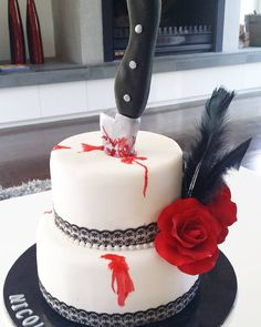 Awesome cake for a murder mystery birthday party 30th Birthday Themes, 30th Birthday Parties, Halloween Birthday, 17th Birthday Party Ideas, Teen Birthday, Clue Themed Parties, Gatsby Themed Party, Speakeasy Party, Teen Parties