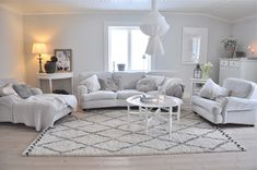 MARIAS VITA BO Live For Yourself, Couch, Living Room, Spirit, Furniture, Places, Home Decor, Italia, Homes