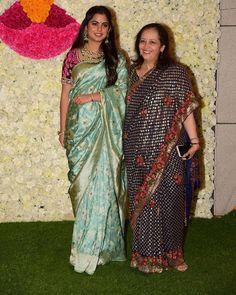 Ambani's Kick Start The Diwali Celebrations At Jio World Centre - HungryBoo Black Blouse Designs, Saree Blouse Neck Designs, Inverted Triangle Fashion, South Indian Wedding Saree, Nita Ambani, Fasion, Women's Fashion, Wedding Saree Collection, Diwali Celebration