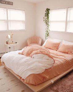 Bohemian Style Ideas For Bedroom Decor - Bohemian Home Bedroom Pink Bedroom Design, Room Interior Design, Coral Bedroom Decor, Interior Designing, Bedroom Designs, Furniture Design, Peach Bedroom, Cozy Bedroom, Peach Rooms