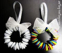 artsy-fartsy mama: Button Wreath Ornament