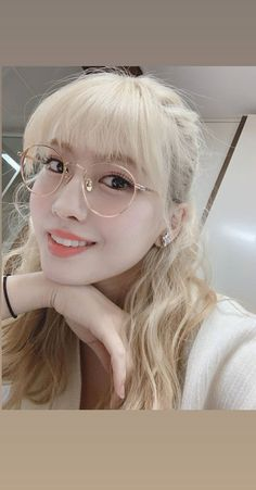 Twice Momo Cute Selca Blonde Round Korean Glasses Aesthetic Soft Icon Kpop Girl Group Style Fashion Girlfriend Material Nayeon, Kpop Girl Groups, Korean Girl Groups, Kpop Girls, My Girl, Cool Girl, Korean Glasses, Twice Photoshoot, Hirai Momo