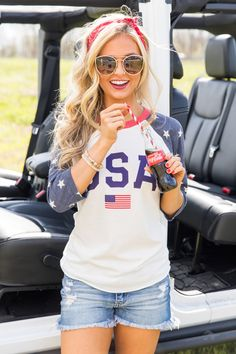 Athletic USA Flag Raglan Graphic Tee Athletic USA Flag Raglan Graphic Tee,Summer This beautiful raglan is the perfect choice for any Fourth of July cookouts or backyard parties this summer! July 4th Outfit Women, 4th Of July Outfits, Holiday Outfits, Outfits For Teens, Summer Outfits, Cute Outfits, Fourth Of July Shirts, Summer Clothes, Style Chinois