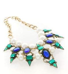 Pick up this gorgeous piece for the perfect head-turner. Best matched with neutral colour outfits.