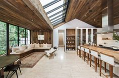 Nowy dom Rosie Huntington-Whiteley i Jasona Stathama, fot. East News Dream House Exterior, Rosie Huntington Whiteley, Beautiful Living Rooms, Modern House Design, Interior Design Inspiration, Architecture, My Dream Home, Home And Living, Home Projects