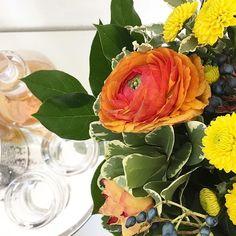 Ein bisschen Blumenliebe für euch  Ich wünschte das Wochenende wäre noch nicht vorbei  Aber hilft ja nix, Geld muss verdient werden, damit wir in dem gerade gebuchten Urlaub auch ordentlich shoppen können.  Spontan habe ich auch heute bei @frlordnung s Wochenrückblick mitgemacht. Wer also mag: #LinkinderBio