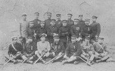 秋山支隊の司令部 (中列左から三人目が好古、その右が田村久井、豊辺新作)