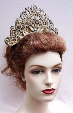 Vintage Rhinestone Tiara Headdress Headpiece by ElrondsEmporium