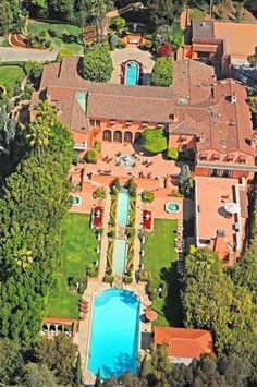 World's Most Expensive Homes Hearst Mansion in Beverly Hills, worth $165 million.