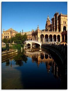 Google Image Result for http://www.travelzones.net/wp-content/uploads/2009/03/sevilla-spain-122.jpg