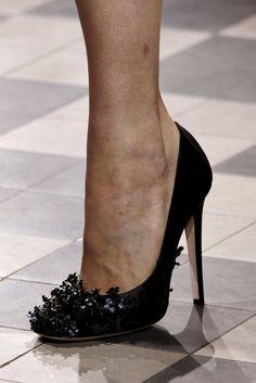 Giambattista Valli - Fall 2011 Couture - Look 13 of 91