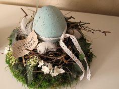 Ostertischdeko - Kranz * Nest mit gesprenkeltem Ei * - ein Designerstück von KRANZundCo bei DaWanda