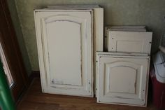 annie sloan paris grey kitchen cabinets distressed | ... the kitchen cabinets in the basement with Annie Sloan chalk paint