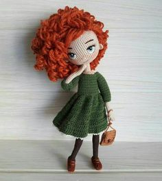 In this article we will share the most beautiful free amigurumi dolls crochet patterns. You can find everything you want about Amigurumi. Crochet Doll Pattern, Crochet Patterns Amigurumi, Amigurumi Doll, Knitting Patterns, Cute Crochet, Crochet Crafts, Yarn Crafts, Knitted Dolls, Crochet Dolls