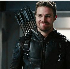 Stephen Amell...that smile ❤️❤️