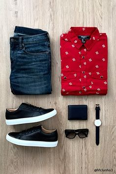 Forever 21 is the authority on fashion & the go-to retailer for the latest trends, styles & the hottest deals. Best Smart Casual Outfits, Stylish Mens Outfits, Swag Outfits, Tomboy Fashion, Mens Fashion, Fashion Outfits, Mens Clothing Sale, Men With Street Style, Outfit Grid