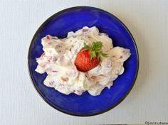 Cremă de mascarpone cu căpșuni, zmeură sau alte fructe de pădure – fără gătire, la rece Oatmeal, Pudding, Cheese, Cream, Breakfast, Desserts, Food, Decorating, Deserts