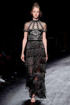 Valentino Spring 2016 Ready-to-Wear Collection