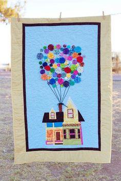 UP house quilt! Love the yo-yo balloons Up Movie House, Up House, House Quilts, Baby Quilts, Paper Piecing Patterns, Quilt Patterns, Block Patterns, Pixar Nursery, Disney Nursery