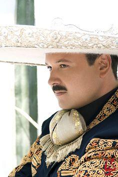 """""""Pa' conquistar corazones no hay mejor que un mexicano ... """" <3"""