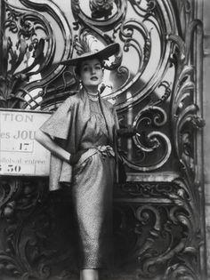 Fashion Shoot, France - July 1950 - Vogue UK - Photo by Norman Parkinson