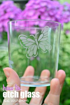 Create your own custom ETCHED GLASS piece with our easy tutorial! This project…