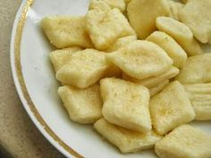 Secret way to the kitchen: Leniwe kluski z kaszy manny Fruit Recipes, Baby Food Recipes, Snack Recipes, Cooking Recipes, Food Porn, Good Food, Yummy Food, Kitchen Recipes, Food To Make