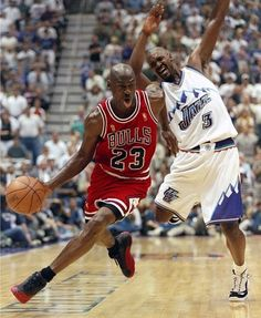 Why did Byron Russell even bother trying to guard him??? *SMH*